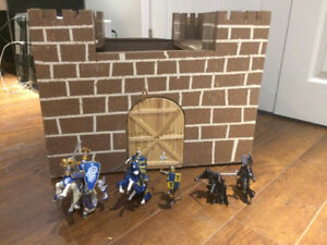 Papo Medieval Times Figures and Wooden Castle Set