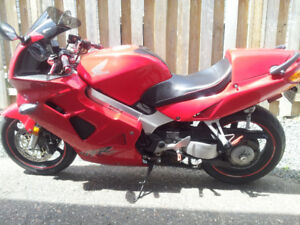 1999 Honda VFR800 FI ( U.S INTERCEPTOR) Model