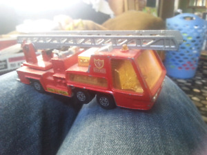 Matchbox Super Kings k-9 fire tender