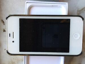 Unlocked IPhone 4s - 32GB Regina Regina Area image 2