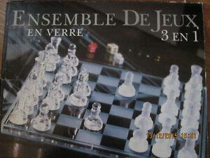 ENSEMBLE DE JEUX EN VERRE 3 EN 1