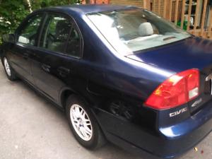 Honda civic 2003 tres propre