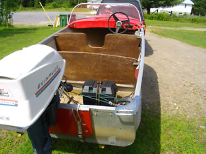 RUNABOUT  ELGIN  12.5 FT  TRAILER AND  18 EVIN