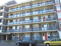 4 bedroom flat in Swanton Gardens, Southfields, SW1