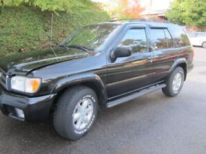 2001 Nissan Pathfinder LE / Excellent Condition /$3800 Certified