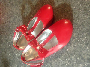 Toddler Girls Red Dress Shoes size 9 great condition $5