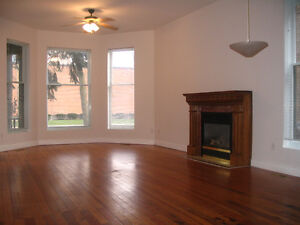 Beautiful 3/4  Bdrs In Downtown Core, All Appliances/Amenities