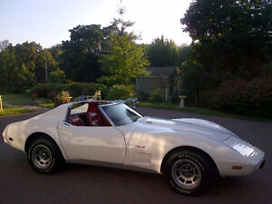 1976 Chevrolet Corvette L-82 4-Speed