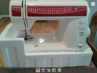 Toyota 21des/rs2000 sewing machine, unused