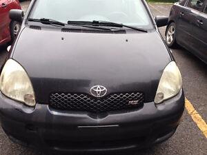 2005 Toyota Echo hatchback en bonne condition