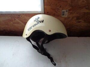 Gravity skateboard helmet