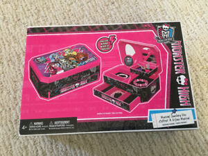 Monster High jewellery box ~ NEW
