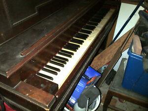 Raymond Cleveland Piano Belleville Belleville Area image 3