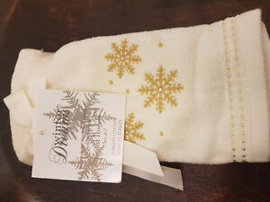 Set of 2 Winter theme guest towels