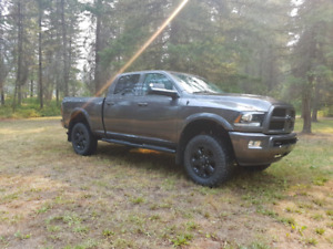 2016 Dodge Ram 2500 Laramie midnight edition