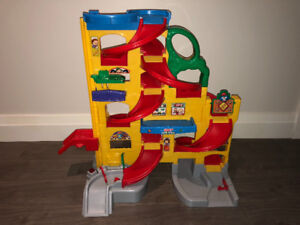 Fisher Price Stand'n Play Rampway Little People