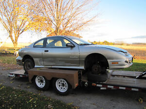 Parting out 2001 Pontiac Sunfire coupe London Ontario image 2