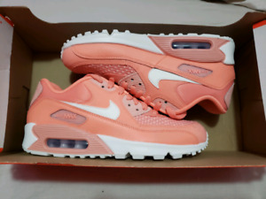 DS Air Max 90 Size 7 women $100