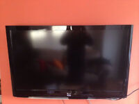"""47"""" LG Full HD 1080P TV with wall bracket and/or stand"""