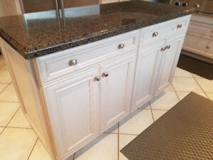 Kitchen cabinets. Solid Maple. Appliances