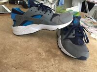 Size 10 blue and grey huaraches