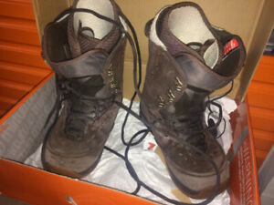 Snowboard boots, brand Burton for men, Size 12.