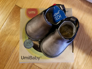 New In box- UmiBaby baby shoes