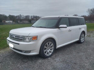 2010 Ford Flex LTD w/ ECOBOOST - PRICED TO SELL