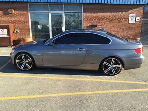 "2008 BMW 335i - NAV, Sport, 19"" M6 rims - Price Reduced"