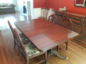 Vintage Dining Room Set - Table and 4 chairs.