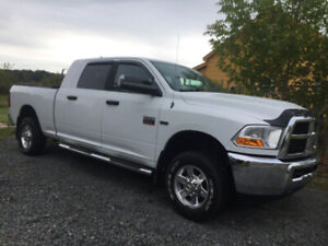 2011 Dodge 2500 excellent shape 260K