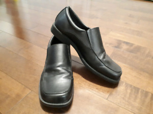 Size 5 dress shoes 1/2 price