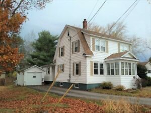 Spacious home with garage in central Sussex, NB