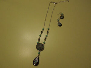 Necklace and Earings Set