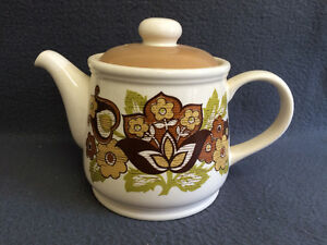 Retro Sadler England 70's TeaPot