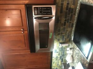 Stainless Whirlpool Gold OTR Microwave