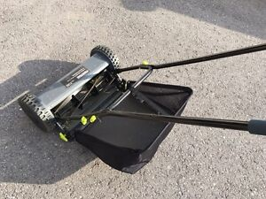 "PerfectGro Push Mower - 16"" with catch - $25 Kingston Kingston Area image 1"