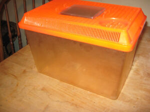 BETA FISH TANK OR CAN USE FOR OTHER LITTLE ANIMALS Cambridge Kitchener Area image 2
