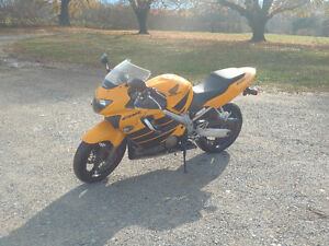 2000 CBR F4 $2000 OBO NEED GONE