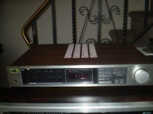 VINTAGE REALISTIC STEREO AM/FM RECEIVER STA-114