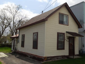 Well located and cozy home in Rockland ON