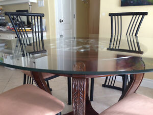 REDUCED $$ - Dining Table - Round Glass-top & 4 Chairs -
