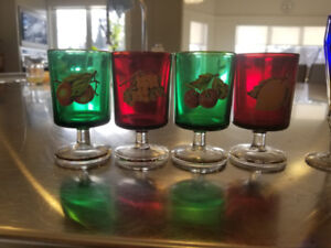 4 Vintage Fruit Multi Color Wine Glasses gold rim From Italy
