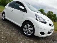 2011 61 Toyota AYGO 1.0 VVT-i AYGO GO SAT NAV**FSH**WHITE**LOW MILES**£20 TAX