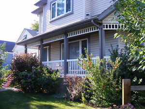 Beautiful 2 story semi-detached 2 bedroom - looking for roommate