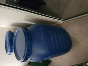 55 gallons heavy duty plastic barrels for sale