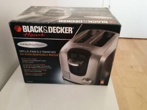 Brand New 2 Slice Toaster Black & Decker T2707S