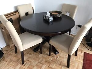 Barely used dining table