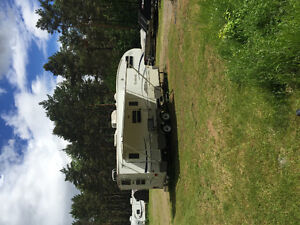 Gorgeous 29' Outback Sydney Edition Bunkhouse 5th Wheel