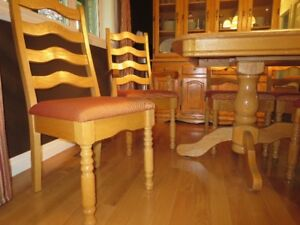 Solid Oak Dining Table And Buffet Set